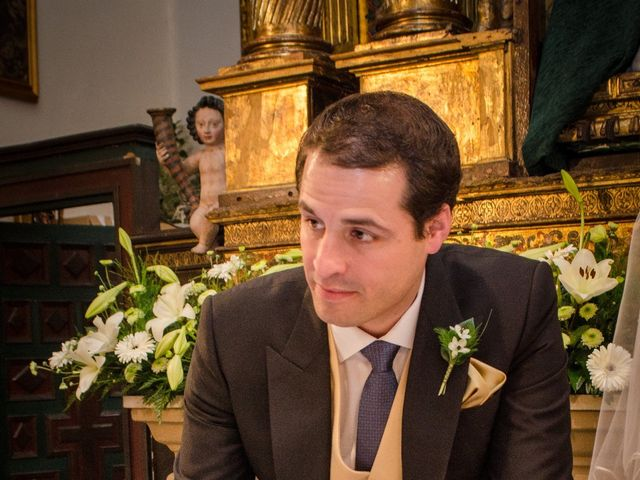 La boda de Gonzalo y Lorena en Oviedo, Asturias 33