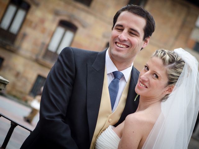 La boda de Gonzalo y Lorena en Oviedo, Asturias 36