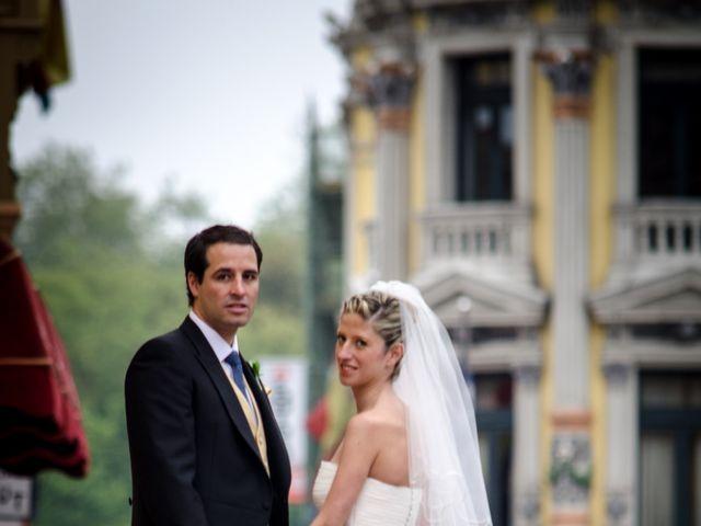 La boda de Gonzalo y Lorena en Oviedo, Asturias 38
