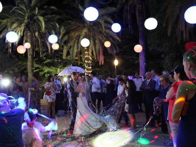 La boda de Francisco Jesús y Aurélie en Dos Hermanas, Sevilla 36