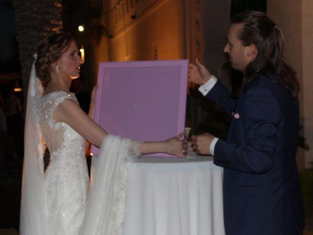 La boda de Francisco Jesús y Aurélie en Dos Hermanas, Sevilla 25
