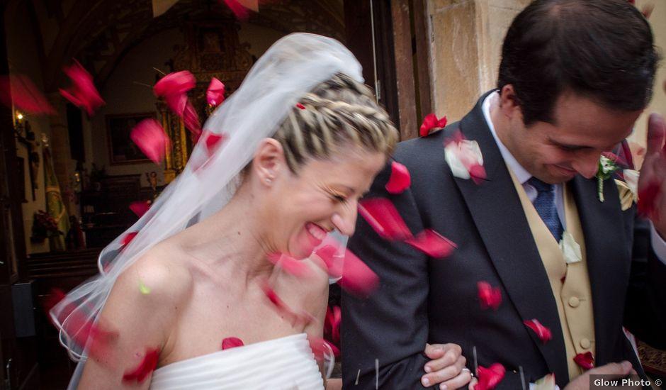 La boda de Gonzalo y Lorena en Oviedo, Asturias