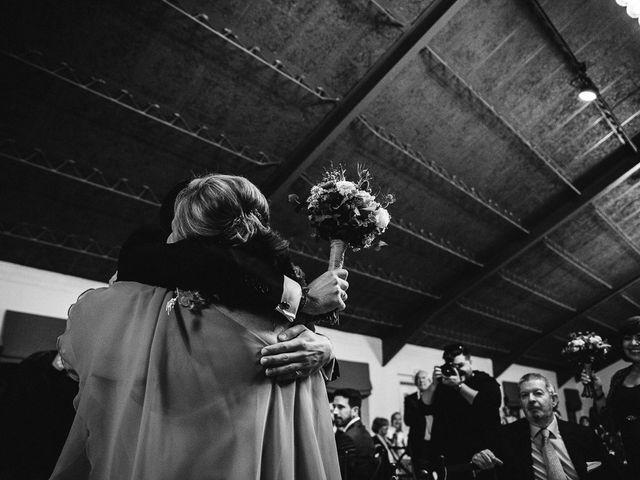 La boda de Emi y Dol en Madrid, Madrid 44