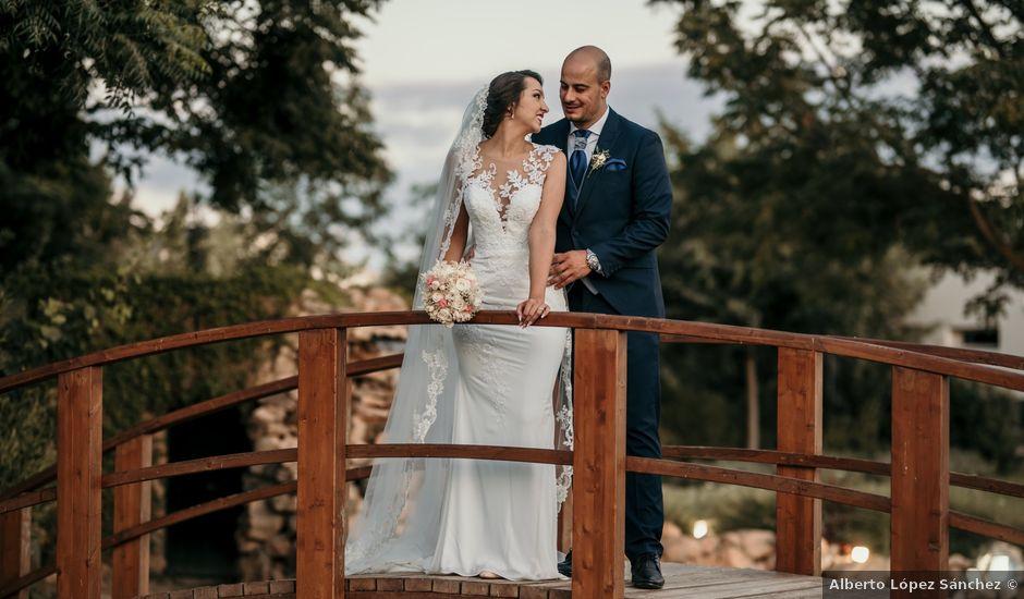 La boda de Miguel y Lurdes en Badajoz, Badajoz