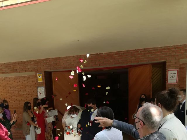 La boda de Santi y Ainhoa  en Pamplona, Navarra 5