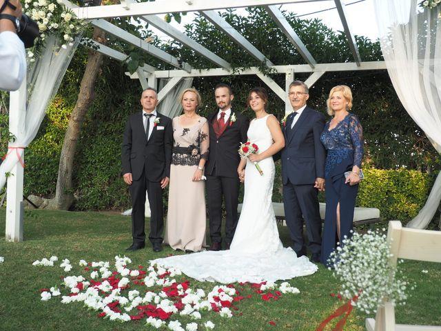 La boda de Tony y Laura en Cambrils, Tarragona 25