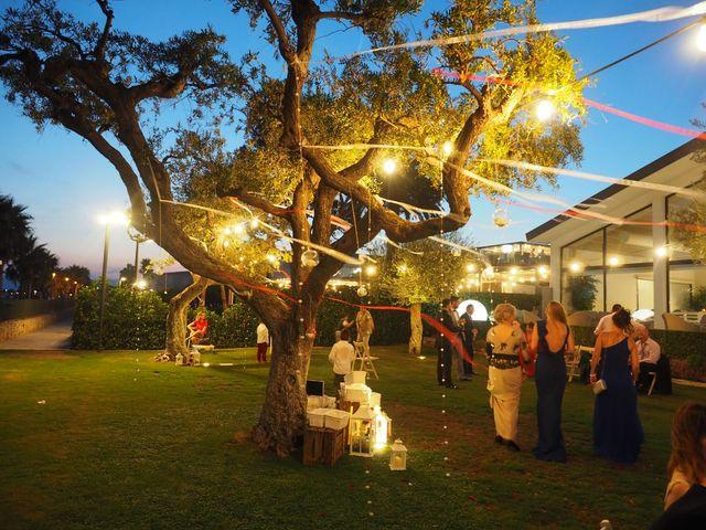La boda de Tony y Laura en Cambrils, Tarragona 29