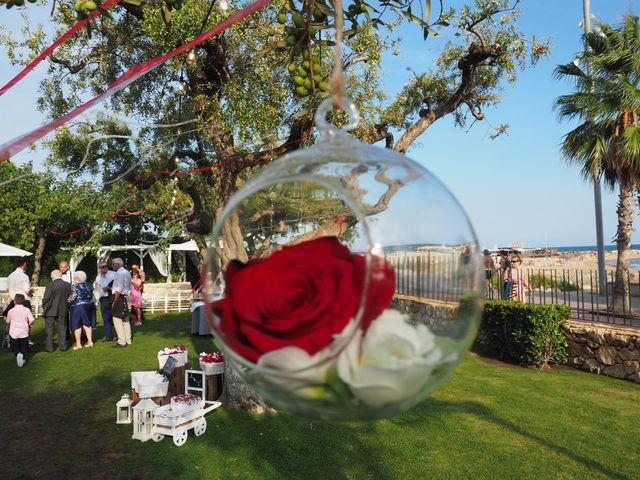 La boda de Tony y Laura en Cambrils, Tarragona 38