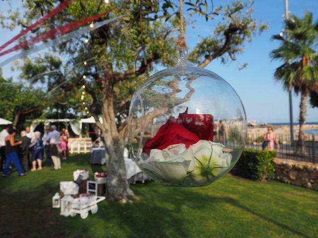 La boda de Tony y Laura en Cambrils, Tarragona 39