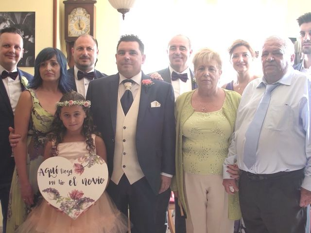 La boda de Oscar y Cristina en Benidorm, Alicante 3