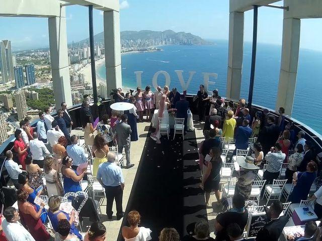 La boda de Oscar y Cristina en Benidorm, Alicante 7