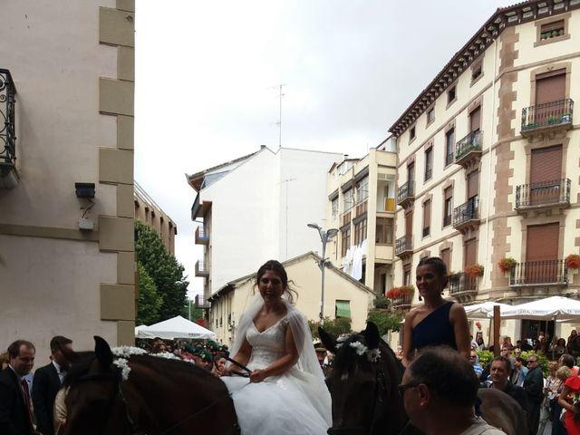 La boda de David y Ainhoa en Jaca, Huesca 8