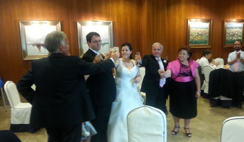 La boda de Juan y Isabel en Parla, Madrid