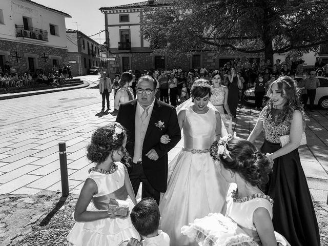 La boda de Vanesa y José María en Valdastillas, Cáceres 19