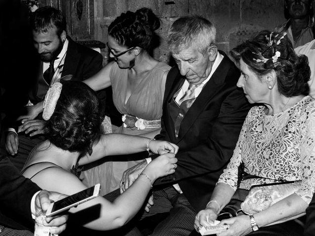 La boda de Vanesa y José María en Valdastillas, Cáceres 26