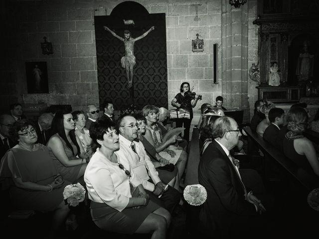 La boda de Vanesa y José María en Valdastillas, Cáceres 27