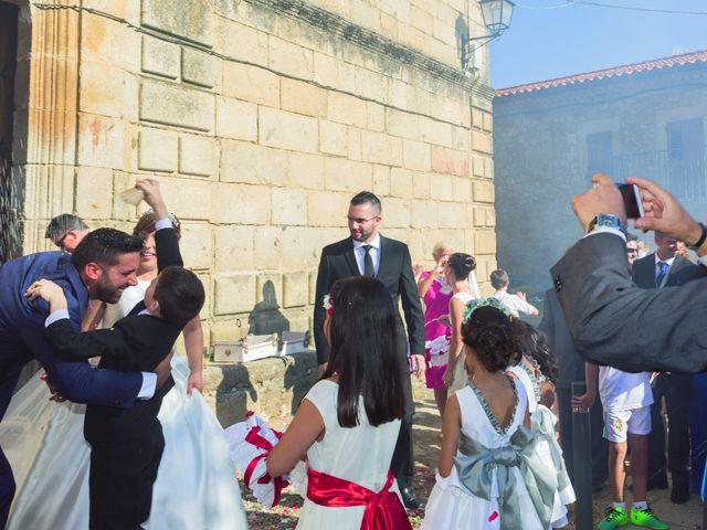 La boda de Vanesa y José María en Valdastillas, Cáceres 37