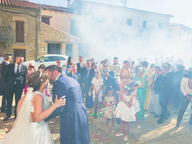 La boda de Vanesa y José María en Valdastillas, Cáceres 38