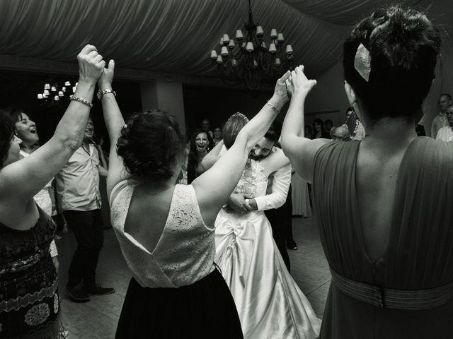 La boda de Vanesa y José María en Valdastillas, Cáceres 60