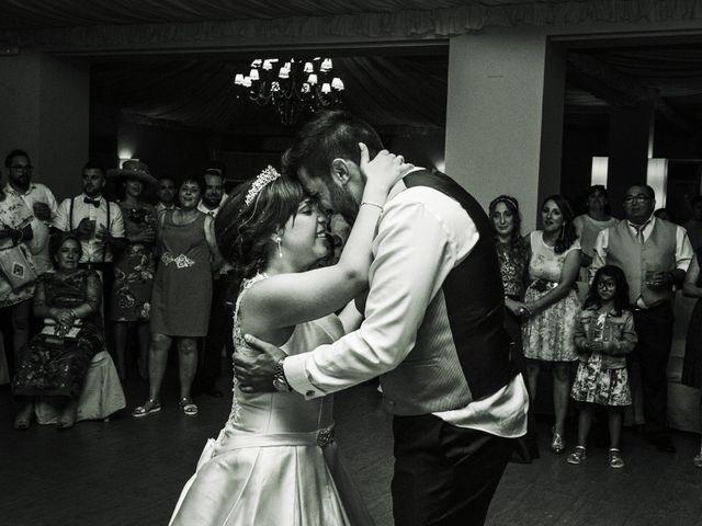 La boda de Vanesa y José María en Valdastillas, Cáceres 61