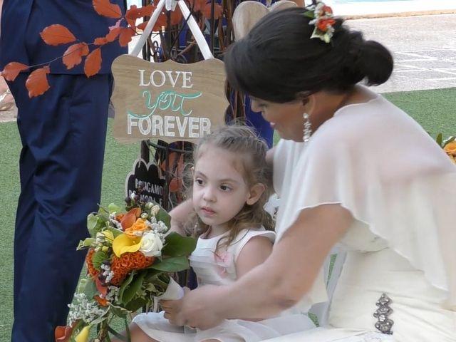 La boda de Tomás y Cristina en La/villajoyosa Vila Joiosa, Alicante 18