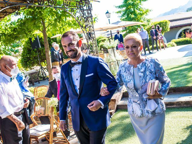 La boda de Daniel y Cristina en Miraflores De La Sierra, Madrid 22