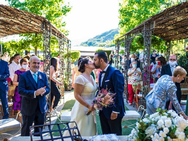 La boda de Daniel y Cristina en Miraflores De La Sierra, Madrid 29