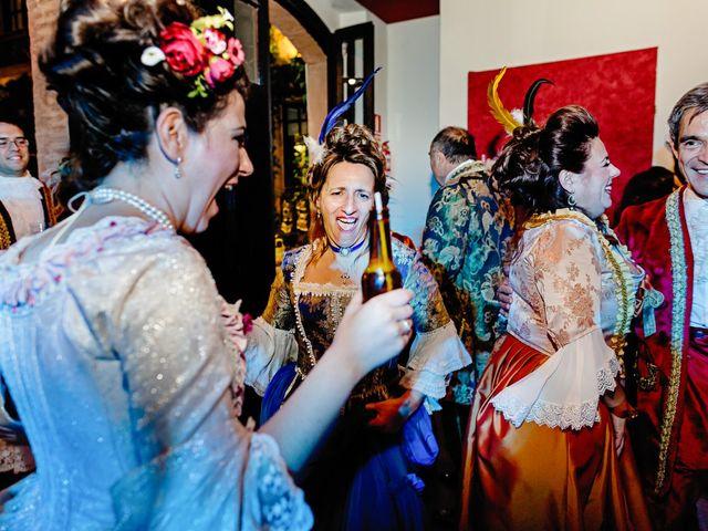 La boda de Almudena y Roman en Sevilla, Sevilla 33