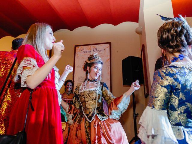 La boda de Almudena y Roman en Sevilla, Sevilla 36