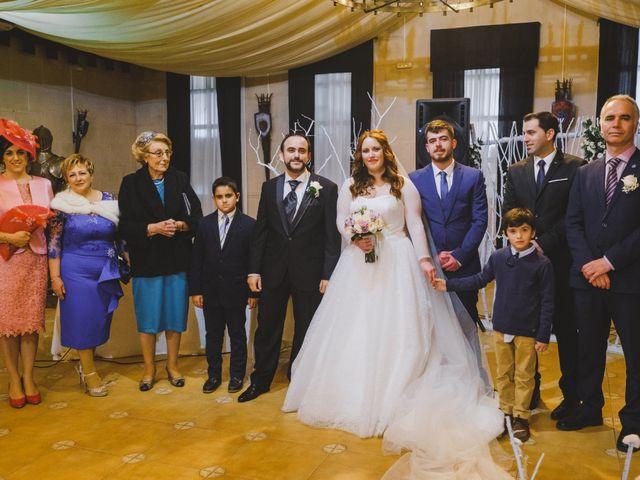 La boda de Juan Guillermo y Beatriz en Talamanca Del Jarama, Madrid 28