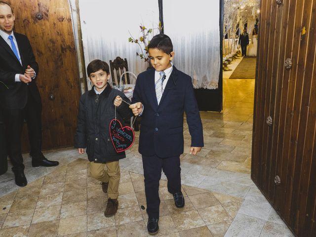 La boda de Juan Guillermo y Beatriz en Talamanca Del Jarama, Madrid 38