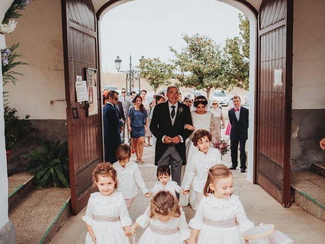 La boda de Felix y Elena en Medellin, Badajoz 22