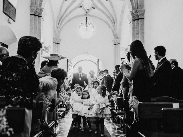 La boda de Felix y Elena en Medellin, Badajoz 23