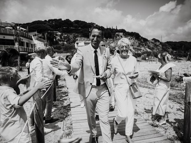 La boda de Valerie y Guillaume en Arenys De Mar, Barcelona 30