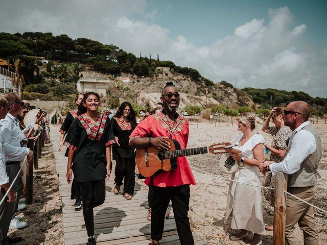 La boda de Valerie y Guillaume en Arenys De Mar, Barcelona 32
