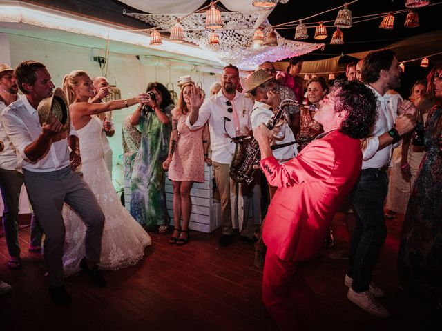 La boda de Valerie y Guillaume en Arenys De Mar, Barcelona 120