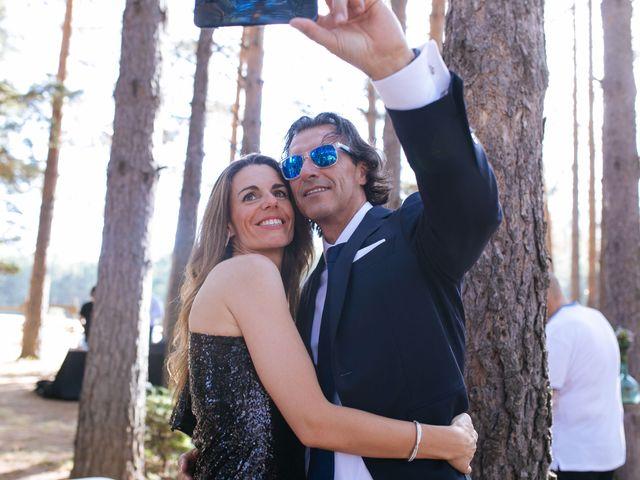 La boda de Ángel y Ana en Rascafria, Madrid 29