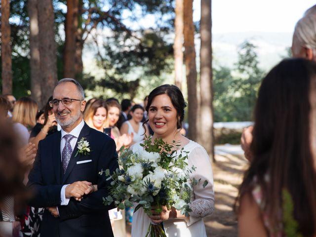 La boda de Ángel y Ana en Rascafria, Madrid 34