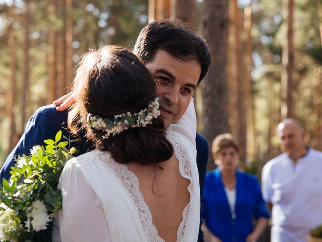 La boda de Ángel y Ana en Rascafria, Madrid 35