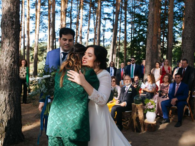 La boda de Ángel y Ana en Rascafria, Madrid 39