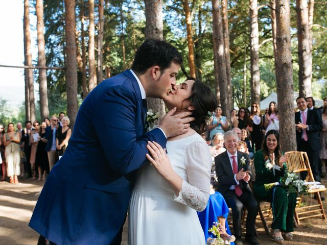 La boda de Ángel y Ana en Rascafria, Madrid 41