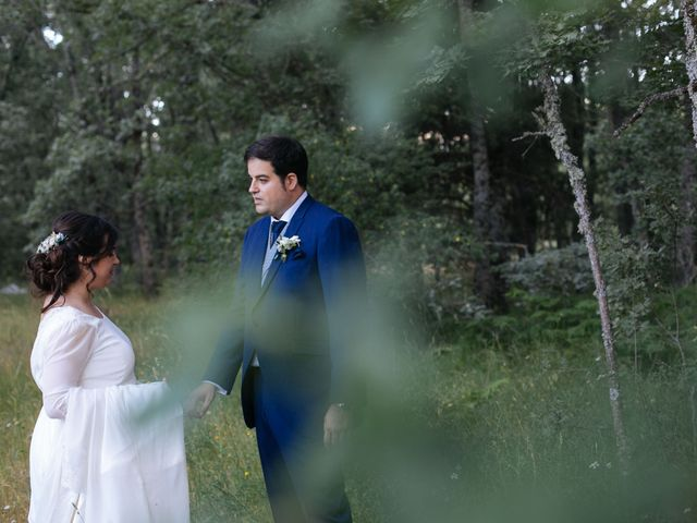 La boda de Ángel y Ana en Rascafria, Madrid 47