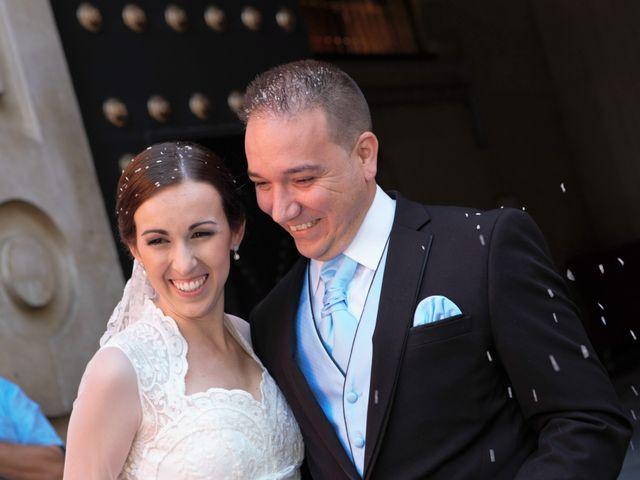 La boda de Miguel Ángel y Regina en Sevilla, Sevilla 23