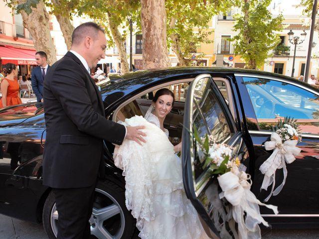 La boda de Miguel Ángel y Regina en Sevilla, Sevilla 24