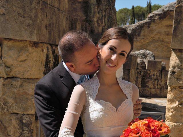La boda de Miguel Ángel y Regina en Sevilla, Sevilla 28