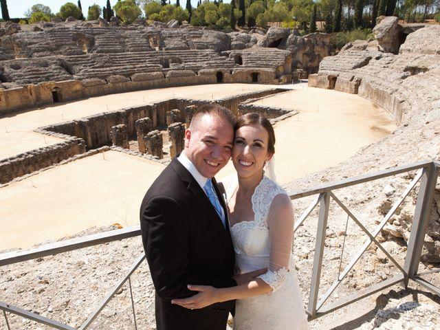 La boda de Miguel Ángel y Regina en Sevilla, Sevilla 35