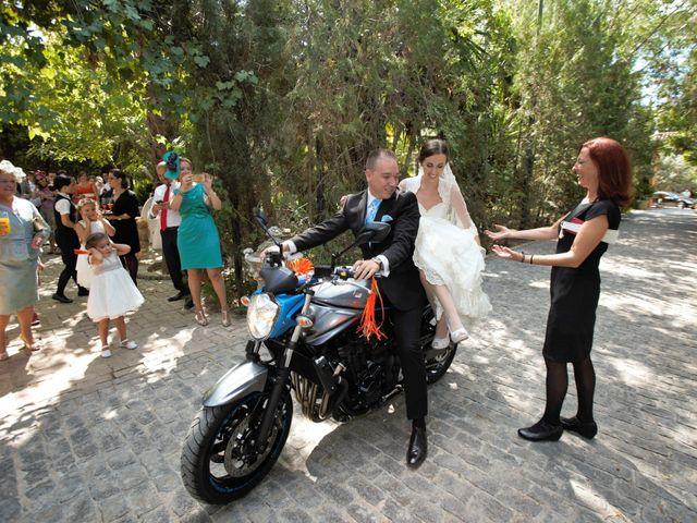 La boda de Miguel Ángel y Regina en Sevilla, Sevilla 36