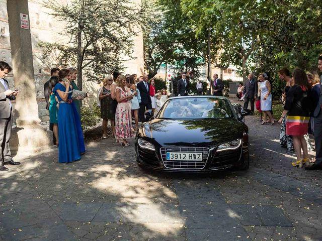 La boda de Iván y Patricia en Torrelodones, Madrid 12