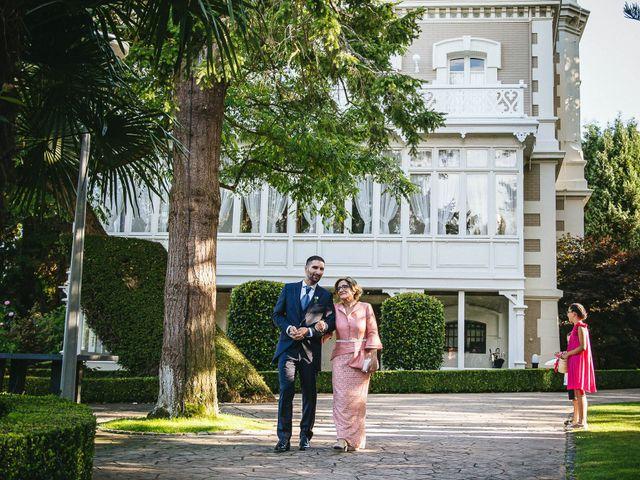 La boda de Pedro y Marta en Oleiros, A Coruña 31