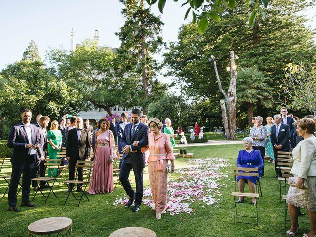 La boda de Pedro y Marta en Oleiros, A Coruña 35